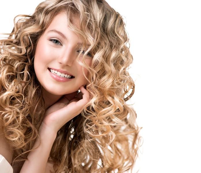 Trendige Frisur für Damen!